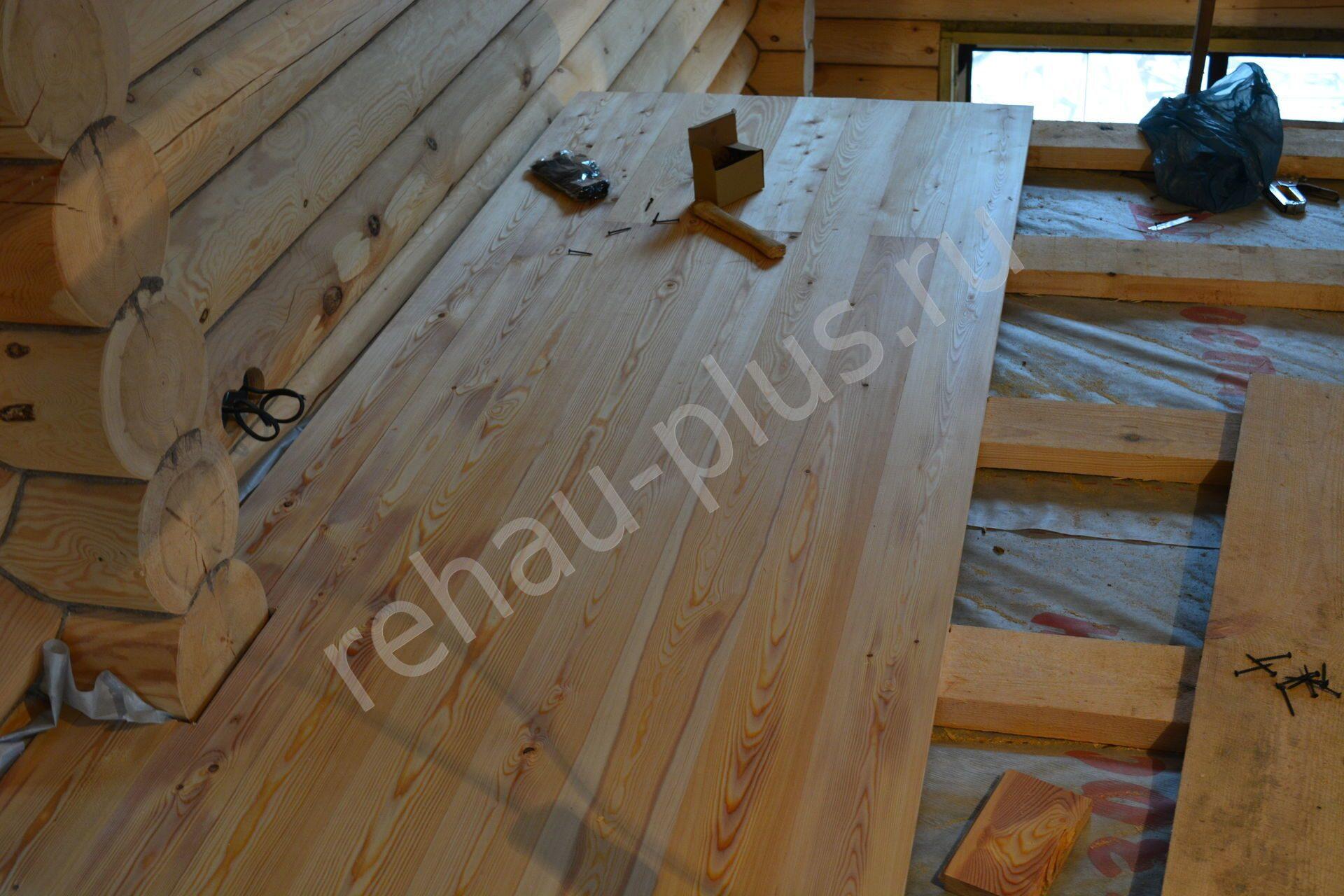 Как правильно утеплить полы в деревянном доме